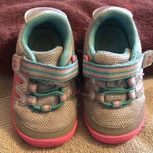 Girls toddler shoes. Good condition!